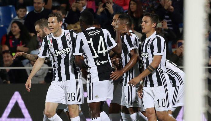 8888152536a7c5 Kibice krytykują nowe stroje Juventusu Turyn - Sport WP SportoweFakty